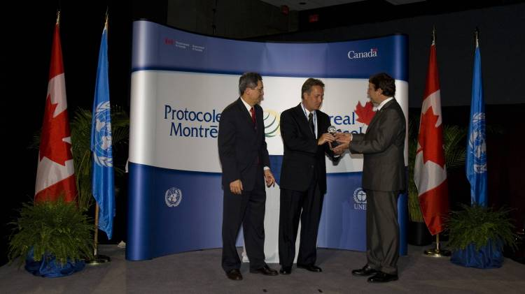 Marco Gonzalez, Executive Secretary, Ozone Secretariat,Montreal Protocol Award-Charles Welch, Executive Director, The Ozone Hole Inc.  and Achim Steiner, Executive Director, United Nations Environment Programme
